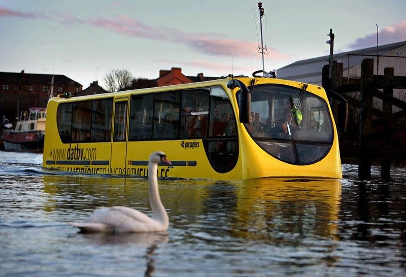 В Петербурге появятся экскурсионные автобусы-амфибии