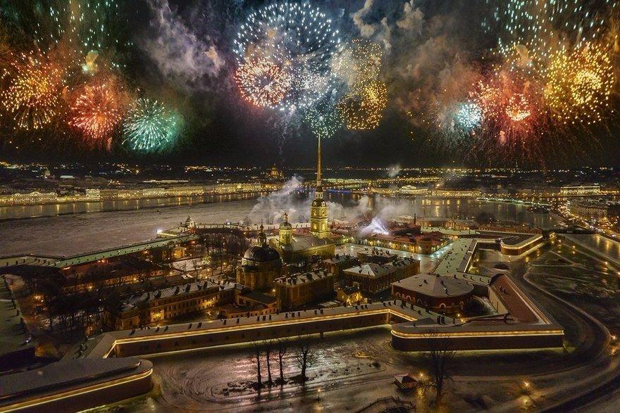 Грандиозное предновогоднее шоу 30 декабря на Дворцовой площади!
