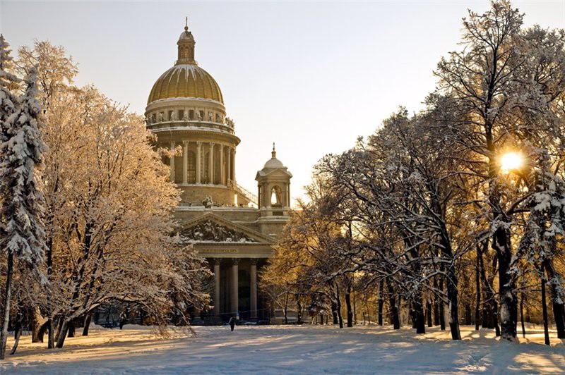 Санкт-Петербург стал вторым по популярности городом, для февральского уикенда