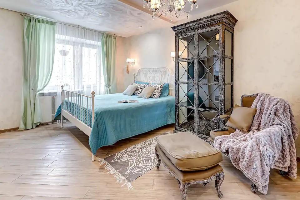 Трое новых апартаментов у м. Приморская