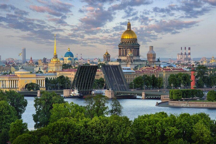 Ажиотажный спрос на Петербург в 2021 году